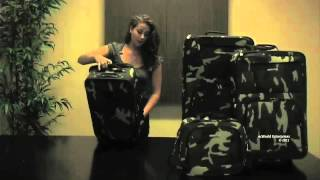 Rockland F32 Deluxe Expandable 4-Piece Luggage Set Thumbnail