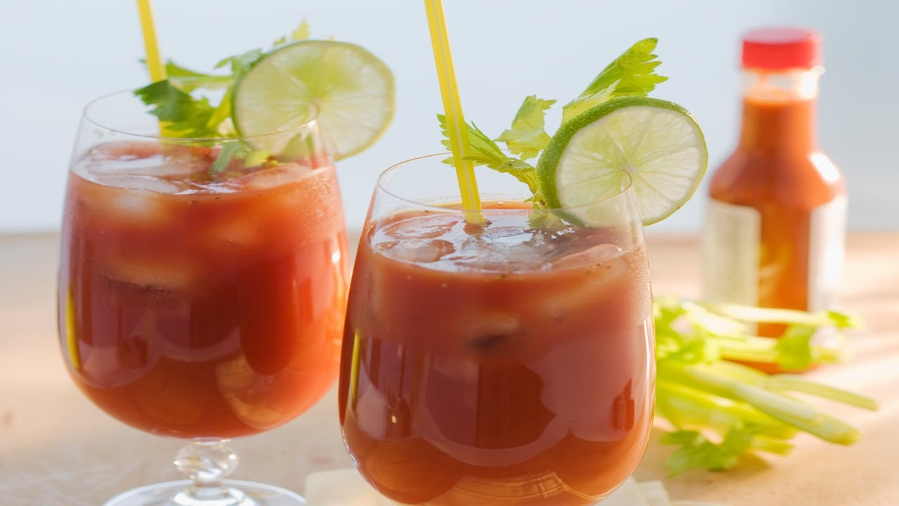 Receta para preparar bloody mary y pizza receta de bloody for Coctel bloody mary