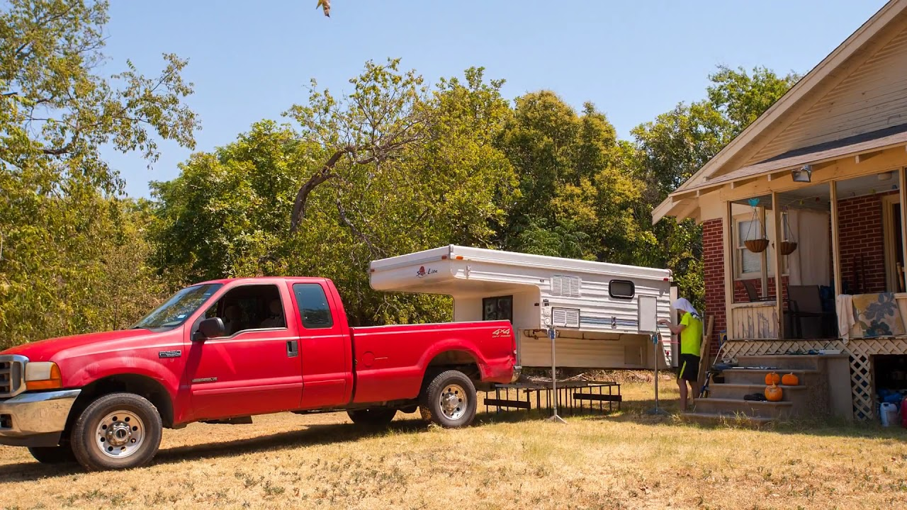 Unloading the Sun-Lite Eagle WT Truck Camper from my F250