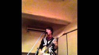 11/12/11に行われた阿佐ヶ谷TABASAでのライブ。