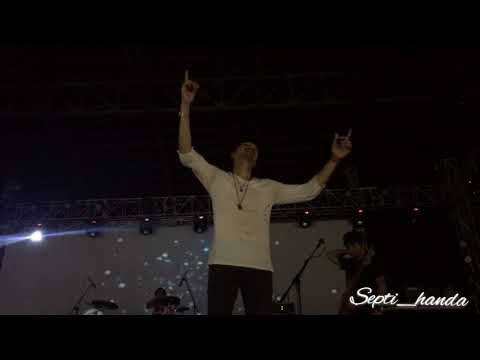 TUNJUK SATU BINTANG -SHEILA ON 7 (syahdunya karaoke massal)