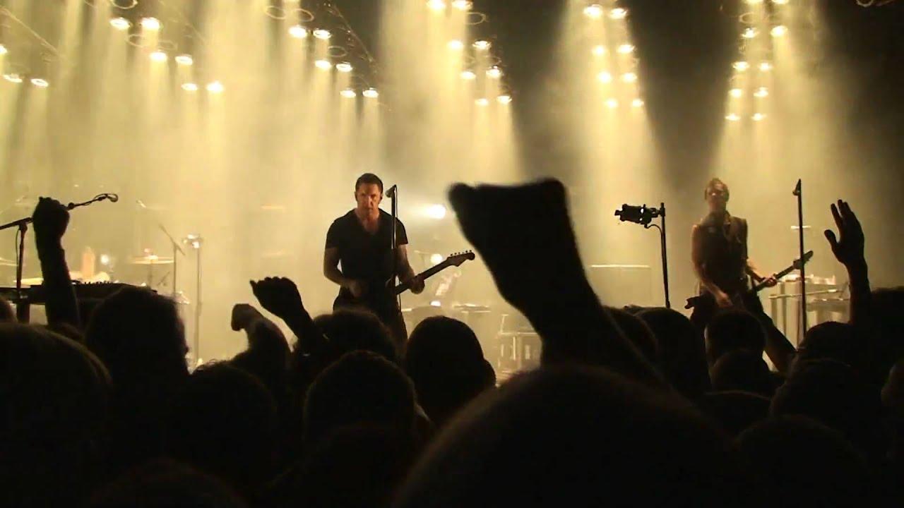 HD) Nine Inch Nails - Dead Souls (Live 06-09-09) - YouTube