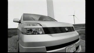 TOYOTA VOXY 2000.