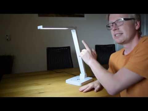 led-schreibtischlampe-mit-qi-ladestation