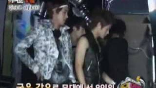 [ZE:A Cut] Heechul as backstage crew while ZE:A performs wingcar