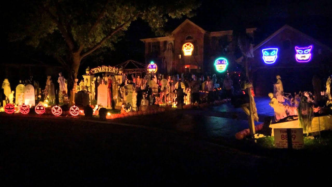 Halloween Light Show 2014 Michael Jackson Thriller