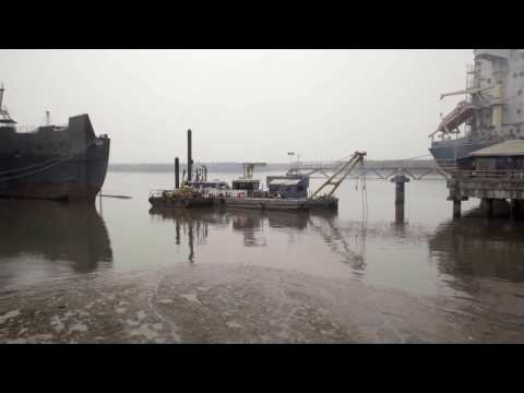 CSD500 for continuous maintenance dredging at a cement factory
