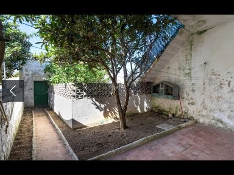 Town house with patio in the historical centre of Mahón, Menorca.