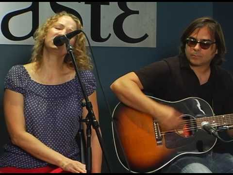 Joan Osborne - Sweeter That the Rest - 7/6/2007 - Paste Magazine Offices, Decatur, GA