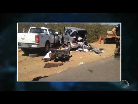 Download Acidente deixa 6 mortos em colisão na BR-135