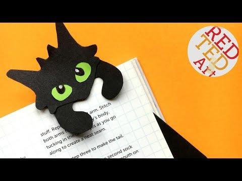Hug a Book Toothless Bookmark DIY - How to Train a Dragon Hug a Book Bookmark
