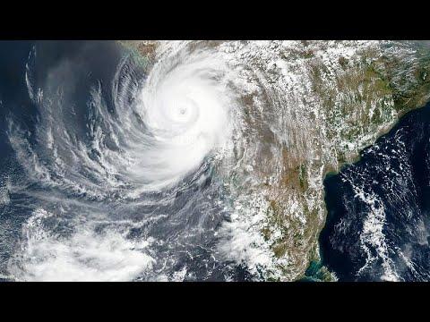 21 قتيلا و96 مفقودا في إعصار يضرب الهند التي تصارع كوفيد