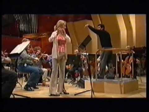 Victor Costa conducts the Carl Nielsen's Flute Concerto, Soloist : Ulla Miilmann