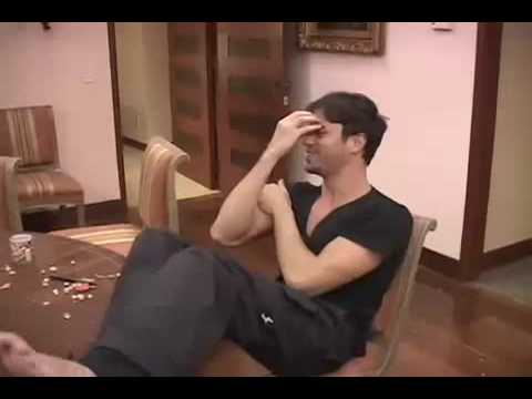 Enrique with a friend has fun in a hotel with London