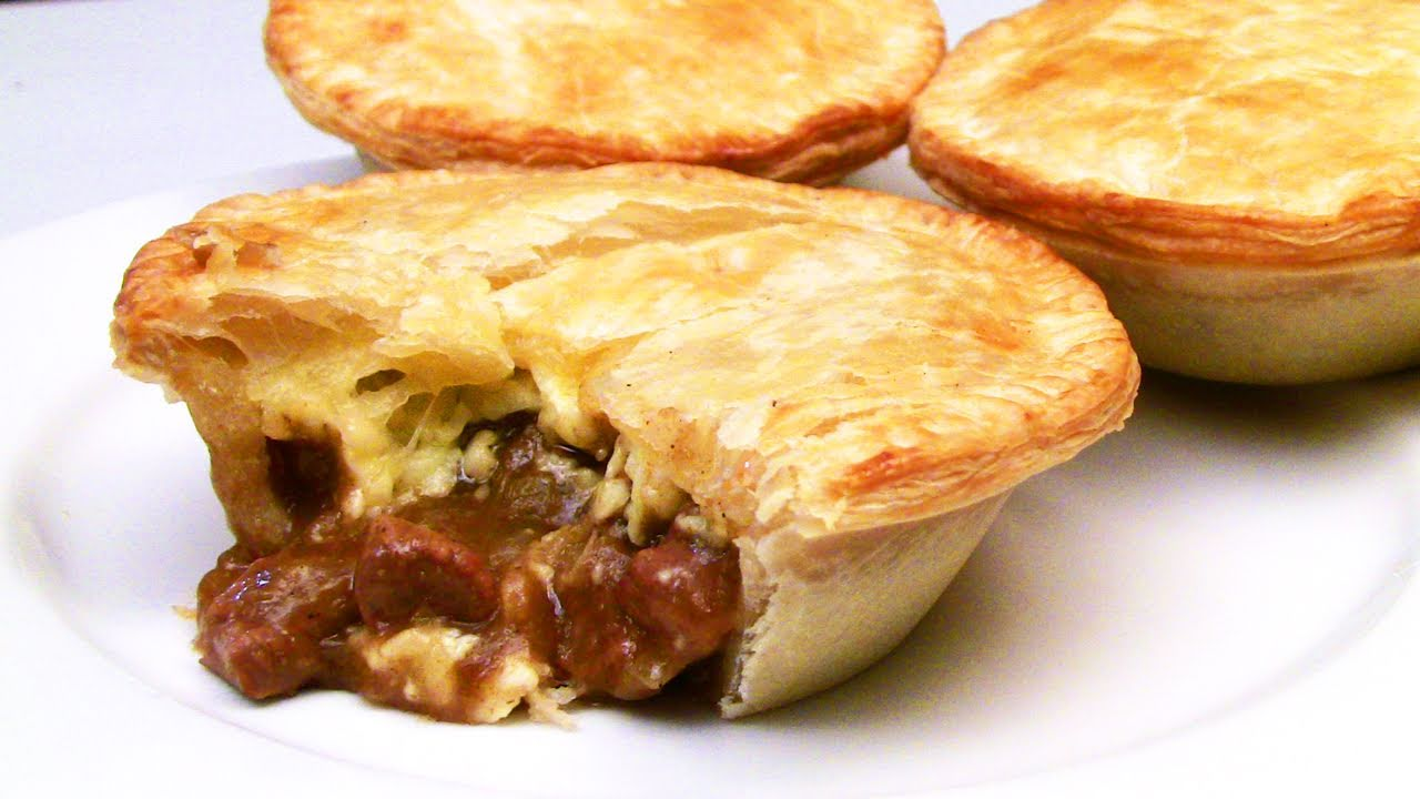 Chunky Chilli Beef And Cheese Meat Pie Recipe - YouTube