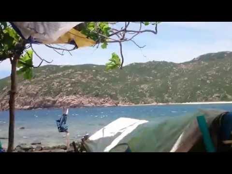 The Rùa Face 2016 Ngôi nhà nhỏ trên đảo hoang