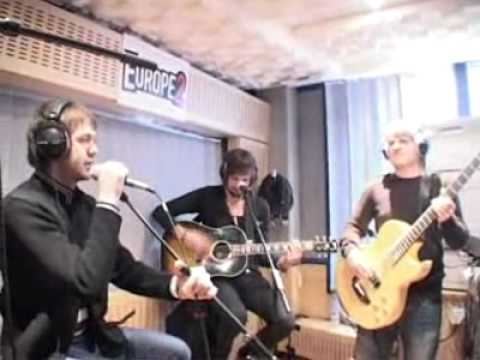 Kasabian - Processed Beats (Acoustic at Europe 2)