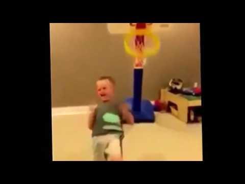 Kid Hits Basketball Hoop (FAIL)Loll😄
