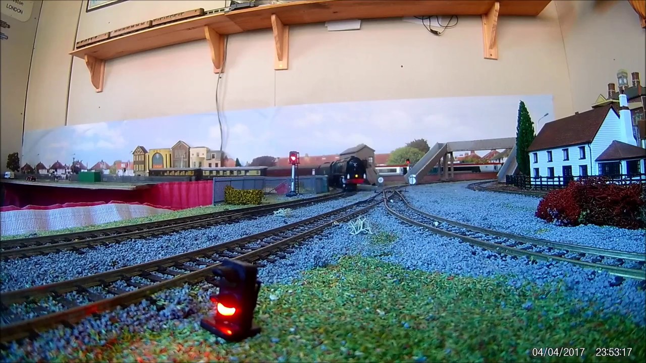 Large 00 Garden Railway Dcc Sound Class 20s And Other Locos