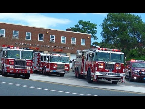 FULL HOUSE RESPONSE!! - Worcester Fire Department Engines & Truck Responding - Structure Fire CODE 3
