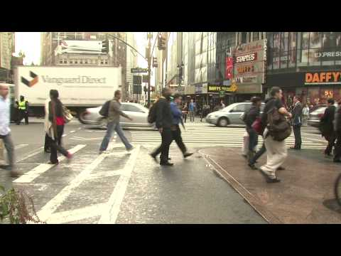 How do I report street, sidewalk or traffic noise?