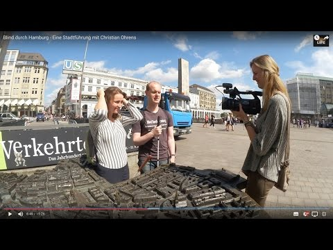 Blind durch Hamburg mit Christian Ohrens: Die Großstadt mit anderen Augen sehen - Blindlife