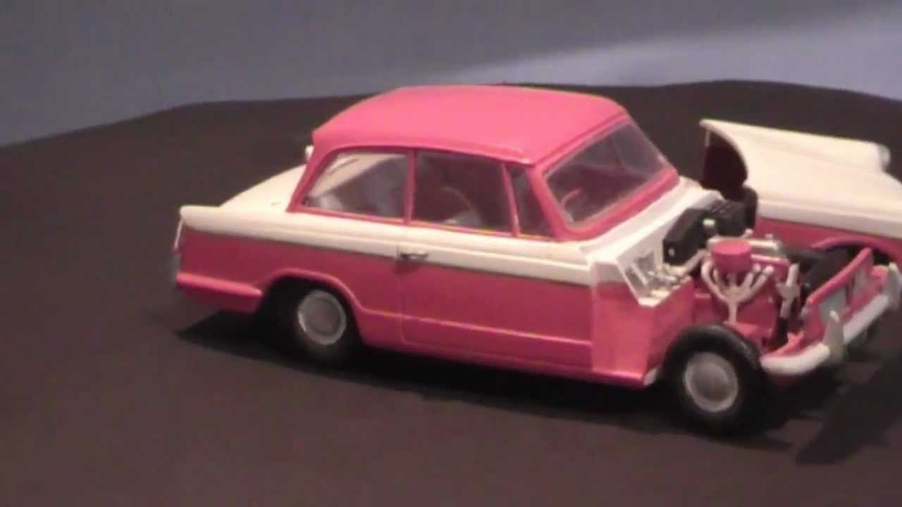 Triumph Herald Airfix 1/32 model - YouTube