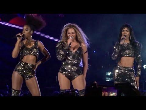 Beyonce Narrowly Misses Wardrobe Malfunction at Coachella