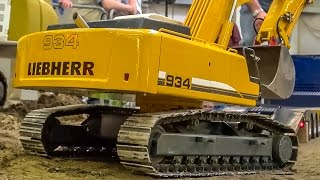 RC truck excavator transport to the construction site in 1:8 scale!