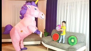 Dominika and Richard play with Big Unicorn toys