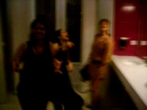 Dancing session in Malagas night club - YouTube