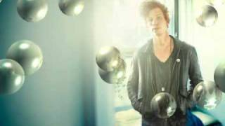 Erik Hassle - Russian Roulette (Rihanna Cover) - Radio 1 Live Lounge with Jo Whiley