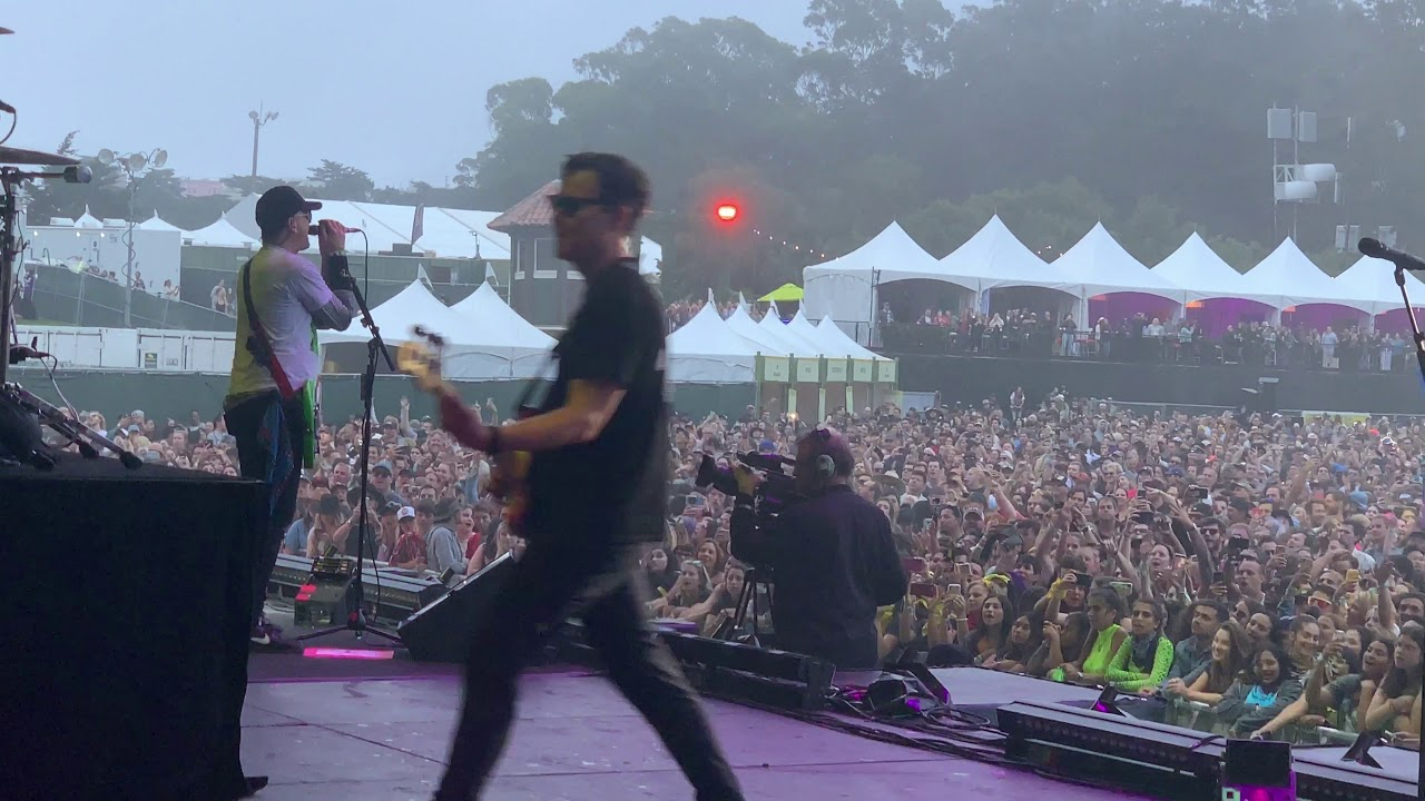 Download blink-182 - All The Small Things w/ guest guitarist (live) at Outside Lands - Aug 9, 2019