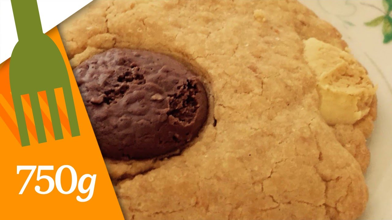 Gateau Anniversaire Chocolat Decor Pate D Amande Marmiton