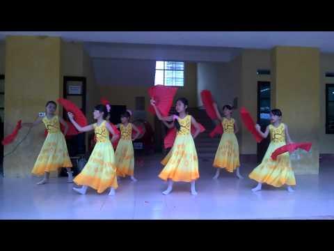 Múa Như ý cát tường - lớp 5B trường Tiểu học An Thượng A