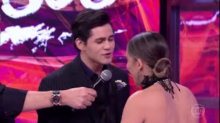 Lucas Veloso pede sua professora em namoro no Dança dos Famosos