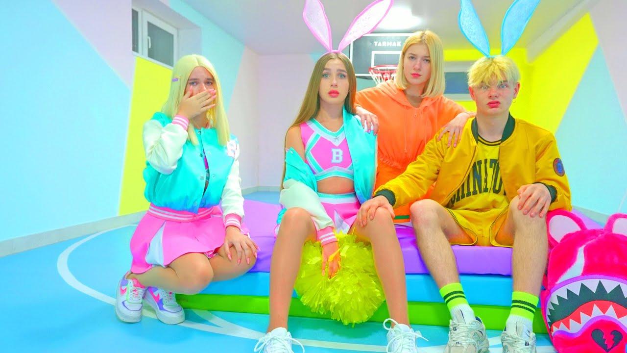 Download ¡Diana jugó a la imagen de Lady Bunny! ¡Estricta entrenadora de Cheerleaders Bunny!