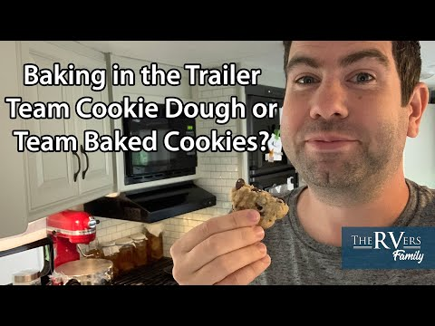 Can you bake in a  Travel Trailer kitchen as a Full-time RV Family?