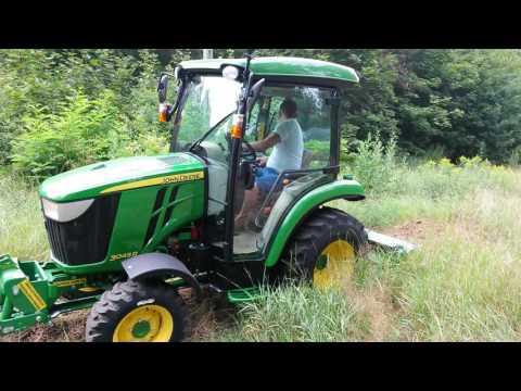 ASAGO - Ciągnik John Deere 3045R + glebogryzarka