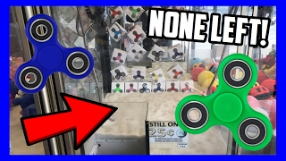 CLEANING OUT THE FIDGET SPINNER CLAW MACHINE!!