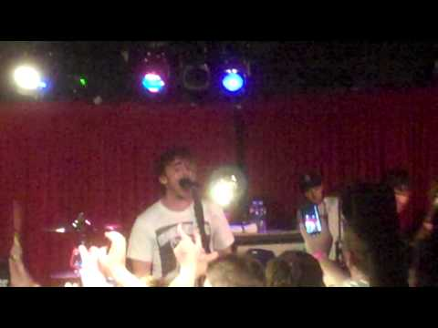 All Time Low - Running From Lions (LIVE)