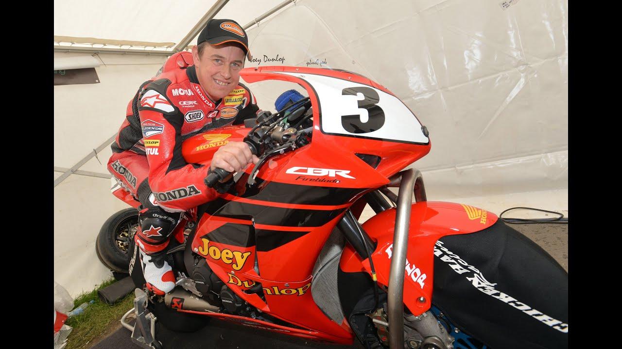 Honda Tt Legends Joey Dunlop Tribute A Legend Honoured