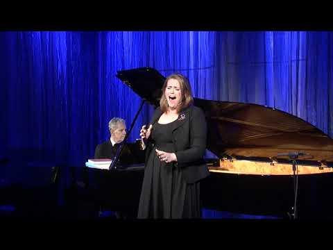 Rachel WillisSorensen: Csardas from Die Fledermaus by J. Strauss