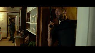 """Артур Бишоп проникает на яхту Крейна. Фильм """"Механик. Воскрешение"""". 2016"""