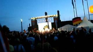 "Public Viewing Berlin WM 2010 ""...so seh'n Sieger aus..."""