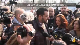 Un SUV di lusso nel campo rom