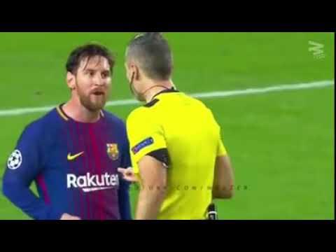 Месси и Роналдо получают красную карточку