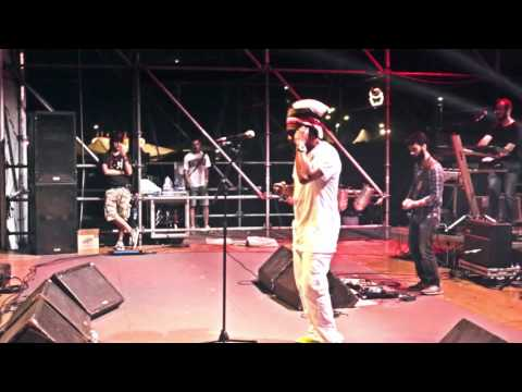Michael Rose & Eazy Skankers - Feelin so Lonely - Live Festareggio 2016