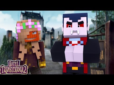 LITTLE KELLY SNEAKS INTO HOTEL TRANSYLVANIA | Minecraft Little Kelly