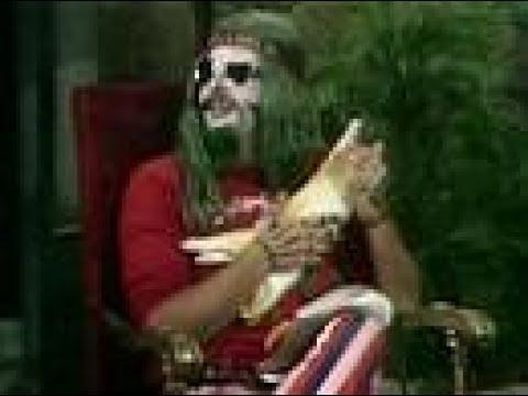 "Screaming Yellow Theater - ""Larry Lujack"" - Svengoolie on the Chicken (Segment #2-2, 1973)"